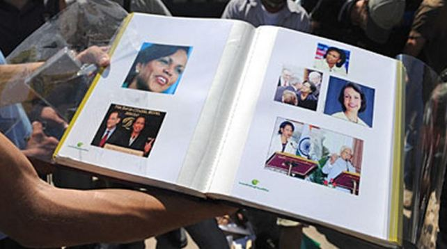 Condoleezza Rice photo album Gadhafi 01