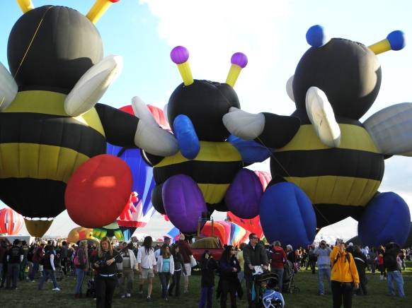 Albuquerque Balloon Fiesta Special Shapes Kissing Bees