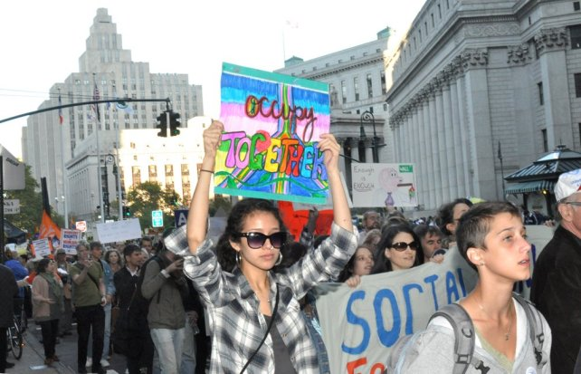 social media and occupy wall street 3) social media and leadership by hashtag in the past few years we have witnessed dramatic examples of social-media-enabled revolutions like the arab spring and occupy wall street these were crowd-sourced revolts without a distinct agenda or obvious leader.