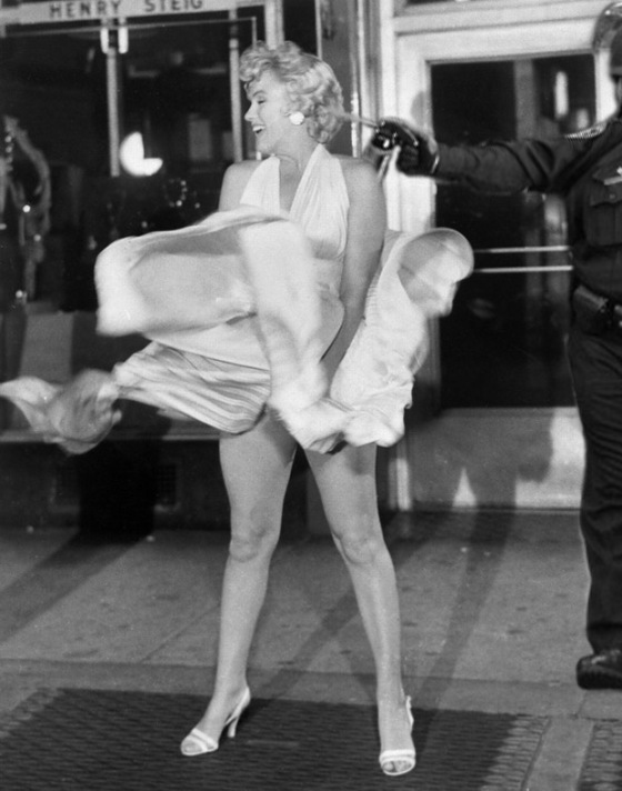 Lt John Pike pepper spraying cop and Marilyn Monroe
