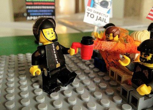 Lego Lt John Pike pepper spray cop