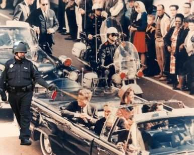 pepper spraying cop John Pike spraying JFK in convertible in Dallas right before being shot