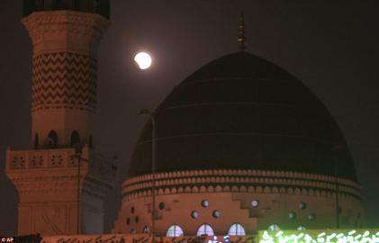 Sufi shrine, Data Darbar in Lahore, Pakistan