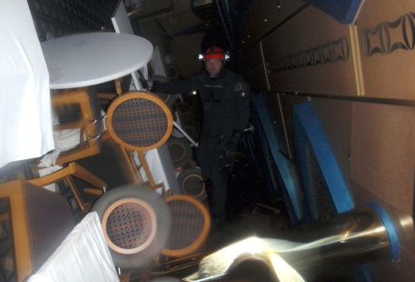 An Italian Coast guard diver inspects inside the Costa Concordia cruise ship on January 16, 2012.(Reuters/Guardia Costiera)