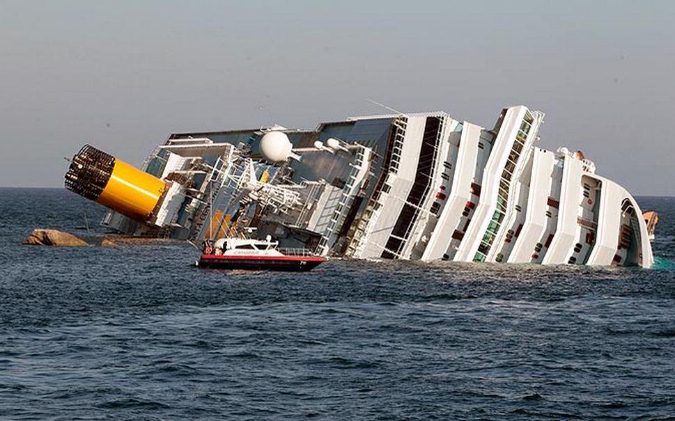 People Cruise Ship Eat Cold Food Haiti Cholera