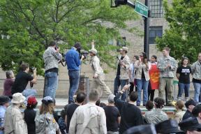 NATO Protest Chicago Veterans returning medals 04