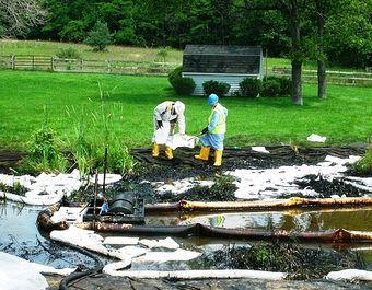 Enbridge oil spill michigan clean up