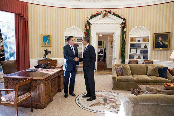 Obama and Romney shaking hands in the Oval Office before lunch
