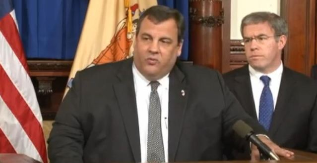Chris Christie news conference violence and gun control