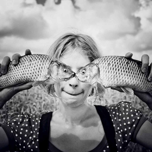 double-image-illusion-fish-heads-for-eyes