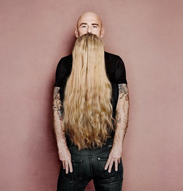 double-image-illusion-man-woman-facing-hair-is-his-beard
