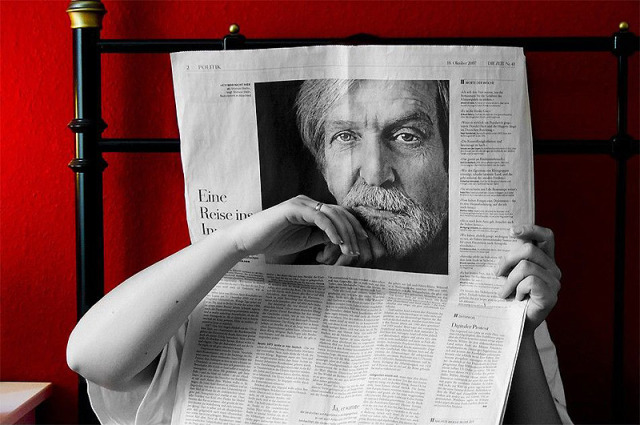 optical illusions face in newspaper