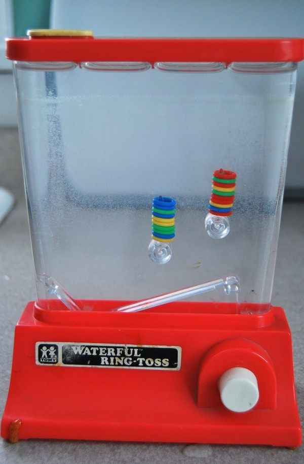 70b toys water ring toss