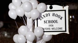 ap_newtown_sandy_hook_school_Sign_balloons_thg_121215_wg