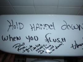 humor-graffiti-toilet-handle
