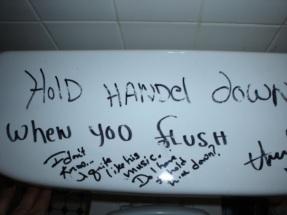 humor-graffiti-toilet-handle