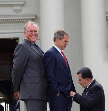 funny political photo bush-sandwich