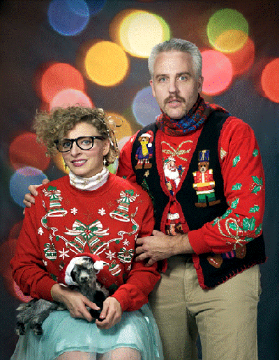 awkward xmas photos goat - Awkward Family Christmas Photos