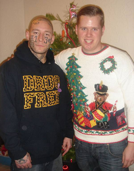 funny-christmas-cards-brothers-weird