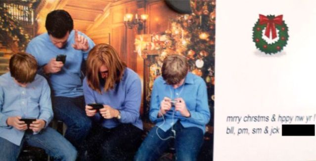 funny-christmas-cards-family-texting