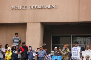 APD-police-protest-18