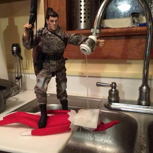 shelf-on-an-elf-gets-waterboarded