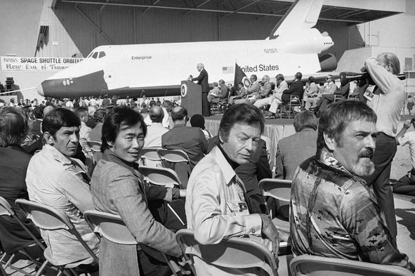 Leonard-Nimoy-meme-20-NASA-space-shuttle