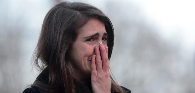 oregon-shooting-woman-crying