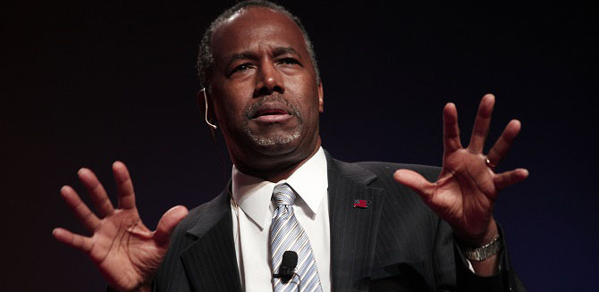 DETROIT, MI -Republican Dr. Ben Carson, a retired pediatric neurosurgeon,  officially announces his candidacy for President of the United States at the Music Hall Center for the Performing Arts May 4, 2015 in Detroit, Michigan. Carson was scheduled to travel today to Iowa, but changed his plans when his mother became critically ill. He now will be traveling to Dallas instead to be with his mother Sonya. (Photo by Bill Pugliano/Getty Images)